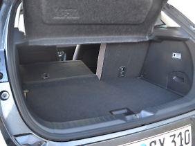 Die 350 Liter Kofferraumvolumen hören sich nach mehr an, als sie am Ende zu bieten haben.