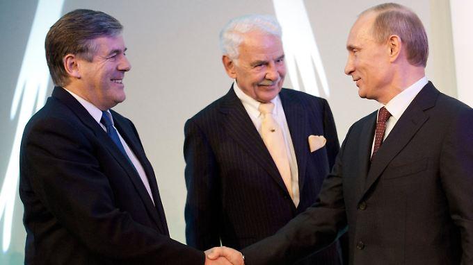 Der damalige Deutsche-Bank-Chef Ackermann traf 2010 den damaligen russischen Ministerpräsidenten Putin in Berlin.