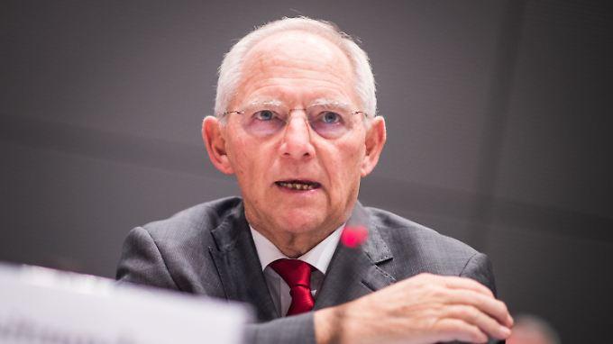 Laut Wolfgang Schäuble gibt es ein breites Einvernehmen, dass alle Fraktionen gleich behandelt werden.