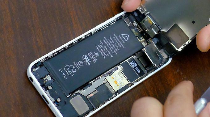 Apple drosselt die iPhone-Leistung nach eigener Darstellung nur zum Wohle der Kunden.