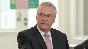 Joachim Herrmann fordert einen härteren Umgang mit straffälligen Flüchtlingen.