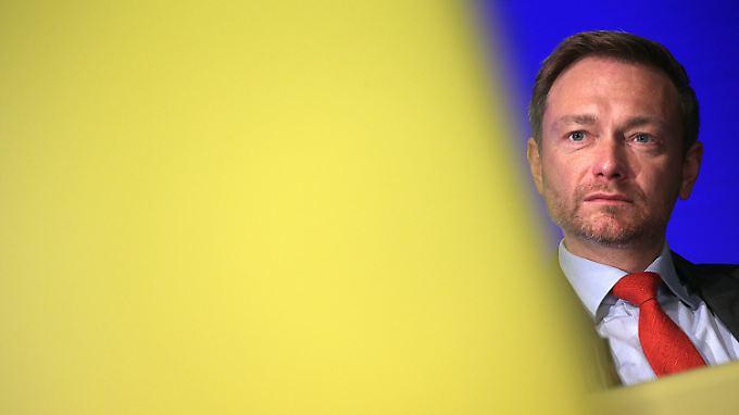 Eine Delle bei den Umfragewerten kann FDP-Chef Lindner nach dem Jamaika-Aus nicht erkennen.