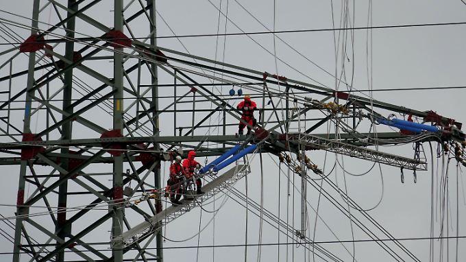 Kosten landen bei Stromkunden: Netzbetreiber zahlt Rekordsumme für Noteingriffe