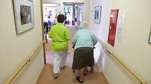 Überlastete Pflegeheime: Patientenschützer fordern Mindestpersonal