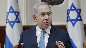 """Die """"Zeit dafür ist gekommen"""", sagte Israel Premier Benjamin Netanjahu im Juli beim Besuch von Angehörigen eines Terroropfers."""
