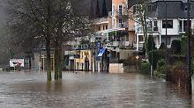 Hochwasser im Westen und Süden: Häuser sind durch Erdrutsche bedroht