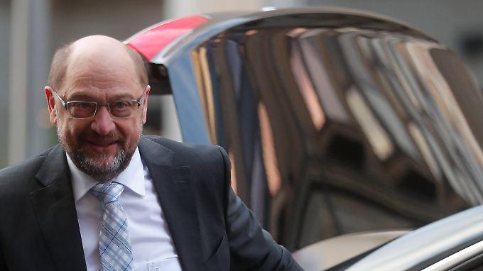 SPD-Chef Martin Schulz steckt Positionen ab.