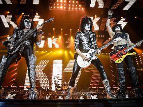 Berühmt und berüchtigt wurde Simmons natürlich mit Kiss.
