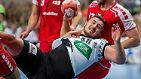 """Ist mit seinen """"nur"""" 1,93 Metern Metern nach eigener Aussage zu klein für den Innenblock. Spielt dennoch in Angriff und Abwehr """"solide"""", wie er selbst sagt. Experten halten das für kräftig untertrieben, etwa Teammanager Oliver Roggisch: Kohlbacher sei """"einer der besten Kreisläufer der Bundesliga""""."""