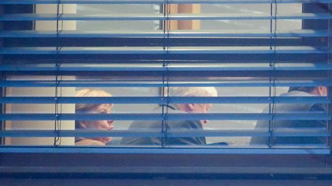 Angela Merkel, Horst Seehofer und Martin Schulz einigen sich hinter verschlossenen Türen.