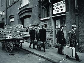 Neue Koffer: die Rolling Stones in Soho, London im Januar 1964.