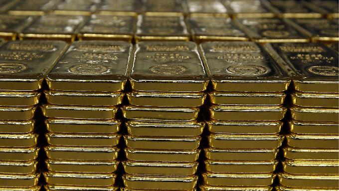 Die Mehrheit der Goldbesitzer verwahrt ihren Schatz nicht zuhause, sondern bei einem Edelmetallanbieter oder einer Bank.