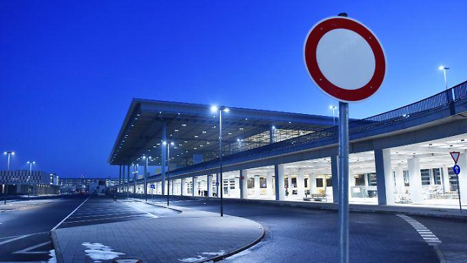 Ein Teil des verwaisten Hauptstadtflughafens. Noch fliegt hier niemand ab.