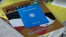 """Zeitung: Szene bekommt Zulauf: Reichsbürger bereit zu """"schwerster Gewalt"""""""