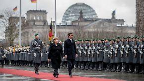 Antrittsbesuch in Berlin: Merkel empfängt Österreichs Kanzler Kurz