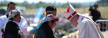 Papst Franziskus empfing in Temuco auch Vertreter von Mapuche-Gemeinden.