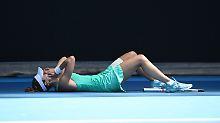 Enorme Hitze bei Australian Open: Französin kollabiert beinahe auf Tennisplatz