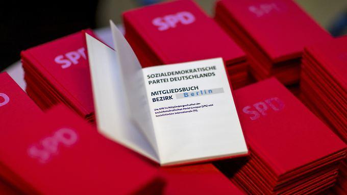 SPD-Parteibücher sind zur Zeit eine heiß begehrte Ware.