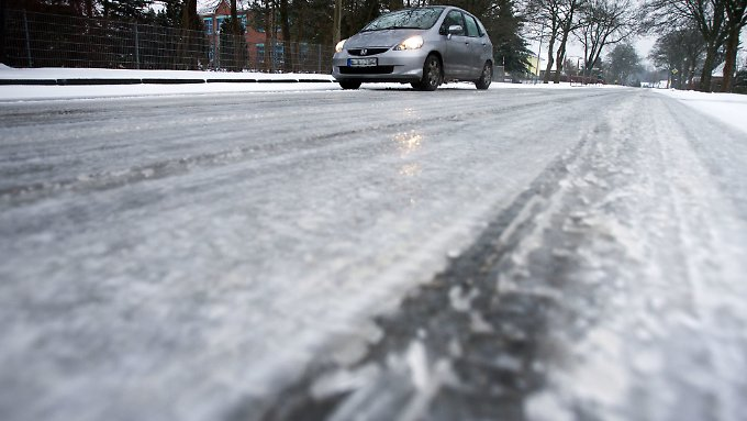Rund ums westliche Mittelgebirge  besteht die Gefahr von Glatteis bei Temperaturen zwischen 0 und 5 Grad.