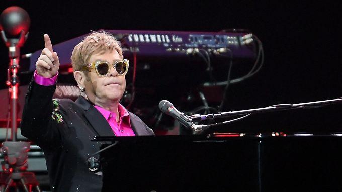 Einmal will Elton John noch um die Welt reisen und sich mit Konzerten bei seinen Fans verabschieden.