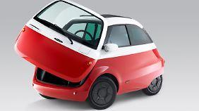 Der Einstieg erfolgt wie bei der alten Isetta über eine an der Front aufschwingende Tür.