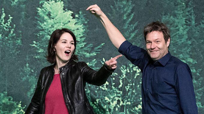 Große Politik mit Fröhlichkeit: Annalena Baerbock und Robert Habeck.