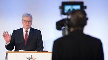 """""""Einsatz für Zusammenhalt"""": Joachim Gauck erhält Reinhard-Mohn-Preis"""