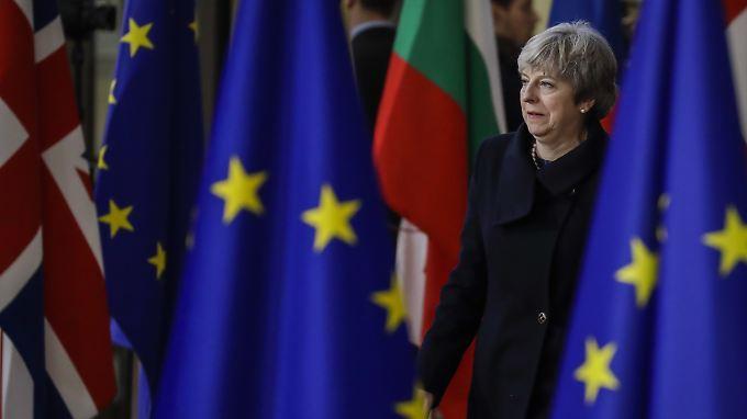 May gegen neues Referendum: EU gibt harten Kurs für kurze Brexit-Übergangszeit vor