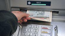 Untergrenze beim Geldabheben: Banken verlangen Mindestbetrag