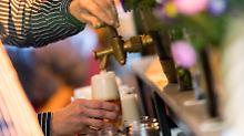 Regensommer soll schuld sein: Bierabsatz sinkt auf Rekordtief