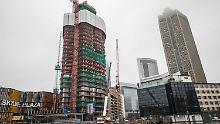 """Der Wohnturm """"Grand Tower"""" befindet sich am Rande des Frankfurter Europaviertels im Bau."""