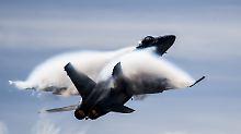 Risse in Maschinen entdeckt: Schweiz lässt einige Kampfjets am Boden