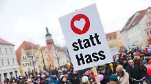 Demos in Cottbus: Rechte Demonstranten sind in der Überzahl