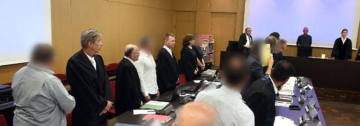 """Prozess gegen die """"Pflege-Mafia"""": Gericht verurteilt Düsseldorfer Bande zu langen Haftstrafen"""
