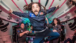 Schwerelos-Party über den Wolken: Technofans tanzen in Achterbahn fliegendem Airbus