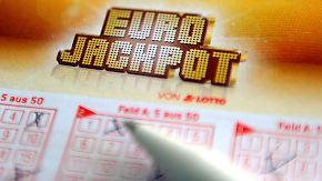 Welche Zahlen sind wahrscheinlich?: Lottospieler hoffen auf 90-Millionen-Eurojackpot