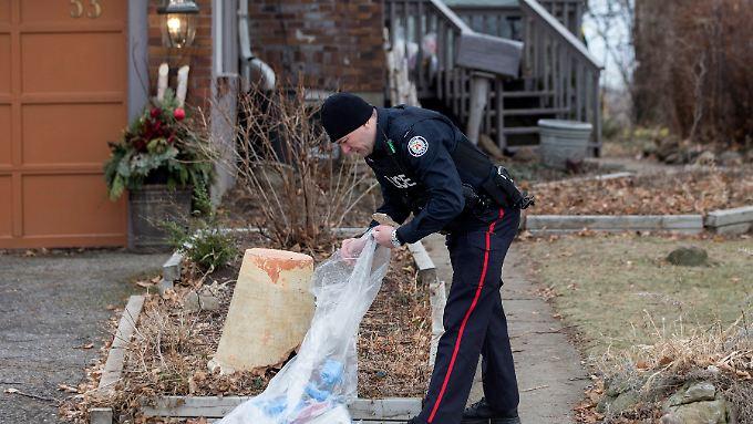 Erst verschwinden mehrere Männer aus einem Schwulenviertel in Toronto. Jetzt findet die kanadische Polizei auf einem Privatgrundstück die Überreste von sechs Leichen.