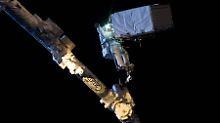 Will die Geheimnisse lüften, die im Weltraum auf den Menschen warten: Alexander Gerst - hier beim Außenbordeinsatz auf der ISS im Oktober 2014.