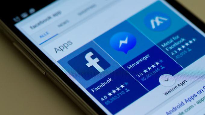 Die Kläger hatten sich unter anderem daran gestört, dass die Facebook-App Chat-Partnern automatisch den eigenen Aufenthaltsort mitteilt.