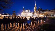 73 Jahre nach der Bombardierung: Dresdner gedenken der Weltkriegszerstörung