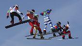 In ebenso hohen Lüften schweben auch die Snowboardcrosserinnen.