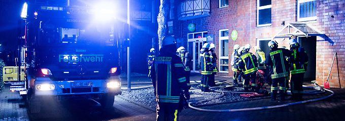 16-Parteien-Haus evakuiert: Schwerer Brand in Recklinghausen