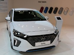 Nachfrage überrascht Hersteller: Käufer müssen Monate auf E-Autos warten