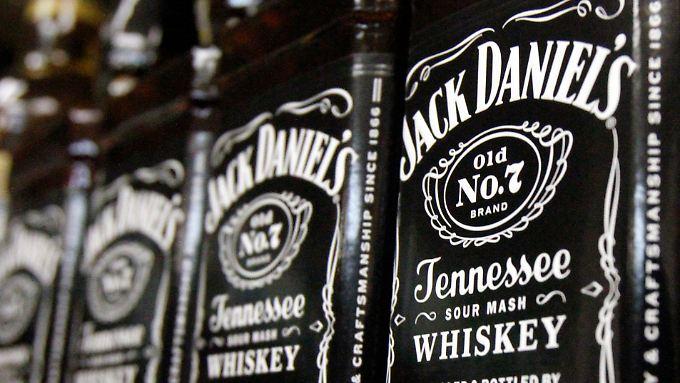 Die EU könnte Gegenzölle auf Mortorräder erheben - oder auf Bourbon wie Jack Daniels.