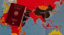 Warnungen, Vorsorgeliste und Co: Sicher reisen - wie Urlauber gut planen