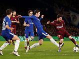 Lionel Messi kommt dann doch an der Chelsea-Abwehr vorbei - 1:1.