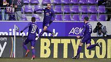 Aue sammelt drei wichtige Punkte im direkten Abstiegsduell gegen Kaiserslautern.