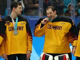 Die olympische Silbermedaille schmeckte für das DEB-Team nur im ersten Moment ein wenig bitter.