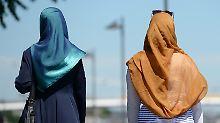 Harte Reaktion auf Proteste: Irans Polizei will Kopftuchzwang durchsetzen