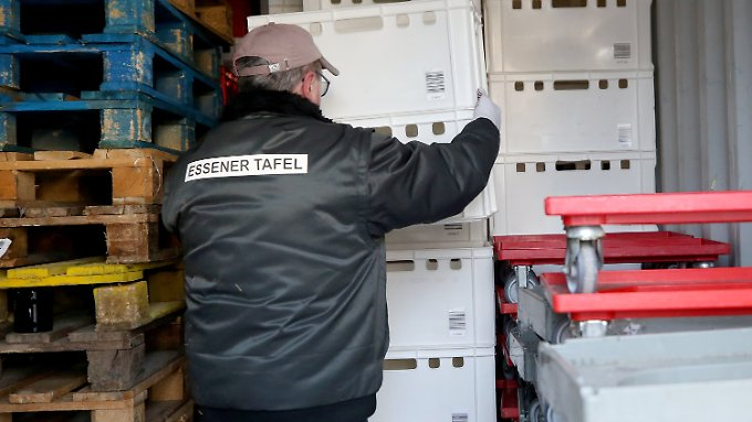 Merkel kritisiert Ausländer-Aufnahmestopp: Essener Tafel hält an umstrittener Regelung fest